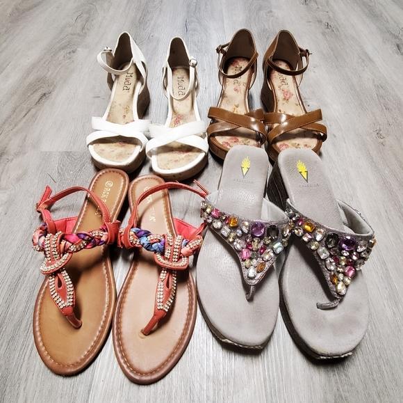 Bundle of sandals Mudd volatile size 10